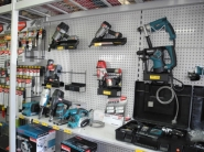 osheas-power-tools-display
